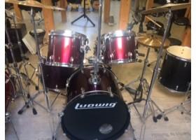 Установка ударная LUDWIG Accent CS из 5-ти барабанов со стойками, педалью и тарелками (комиссионный товар)