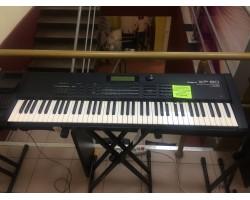 Музыкальная рабочая станция ROLAND XP80, мягкий кейс, расширение Bass&Drum, Vintge synth, piano GV-SR (комисcионный товар)