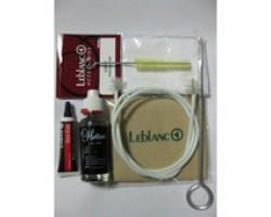 Набор LEBLANC 3106TC по уходу за трубой и корнетом: салфетки, масло для помпы, смазка для крон, ершик для мундштука, двусторонний ершик на гибком шланге, шомпол для помп, в блистере